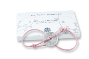 Bracelet to be perfume, pink cord and gift box